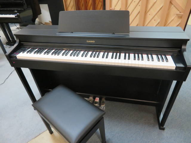 Item #18006 Casio AP-470 Celviano Digital w/ Deluxe Adjustable Artist Bench