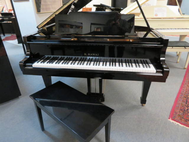 "12999-<br><font color=black><b>KAWAI</b></font> 5'10"" Grand ""Gorgeous, Rich Piano Tone! Superb Condition!<br><font color=red><b> SOLD – OXFORD, OH </b></font>"