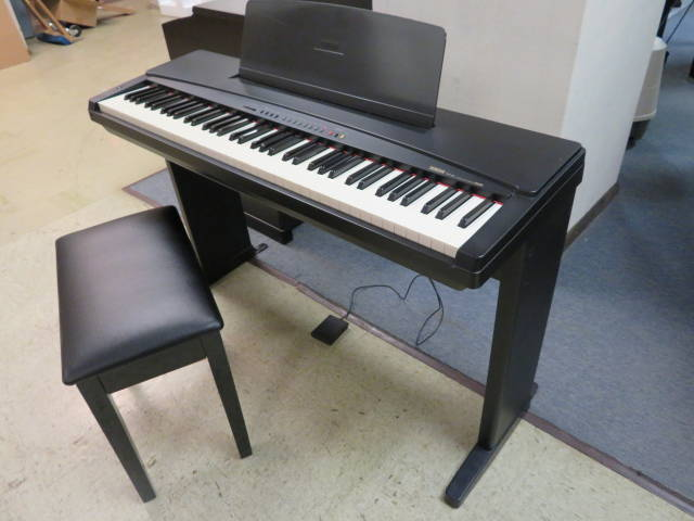 "17799-<br><font color=""black""><b>PRE-OWNED YAMAHA DIGITAL PIANO</b></font> Includes Stand, Bench, Headphones and Yamaha Cover"