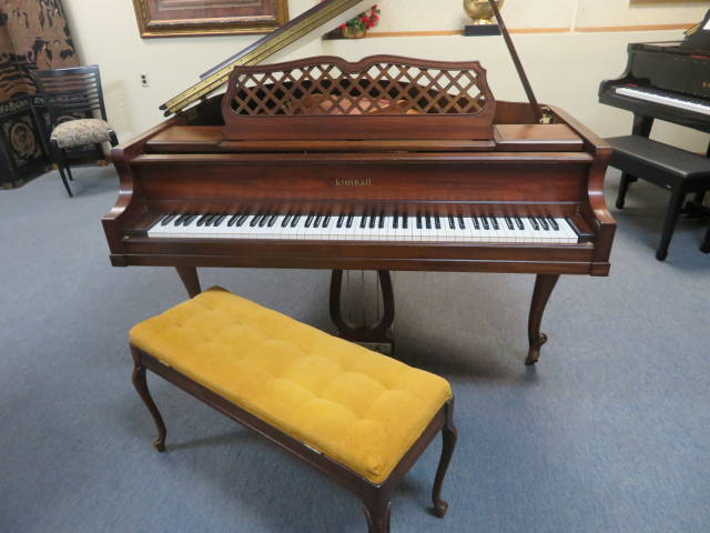 """12900-<br><font color=""""black""""><b> KIMBALL GRAND</b></font> Vintage Queen Anne Cherry Made in the U.S.A. Excellent!<br><font color=""""red""""><b> SOLD – BEAVERCREEK, OH</b></font>"""