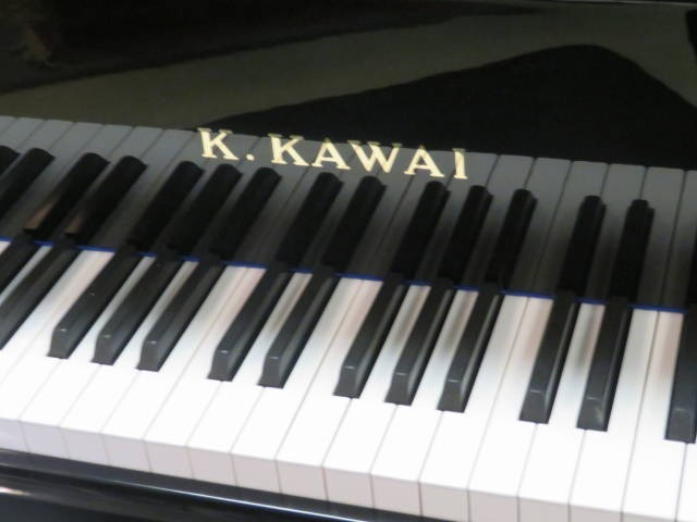 "12801<br><font color=black><b>KAWAI</b></font> 5'1″ Grand Handcrafted in Japan Magnificent Tone-Excellent !<br><font color=blue><b>Click Picture for ""Live Video""</b></font>"