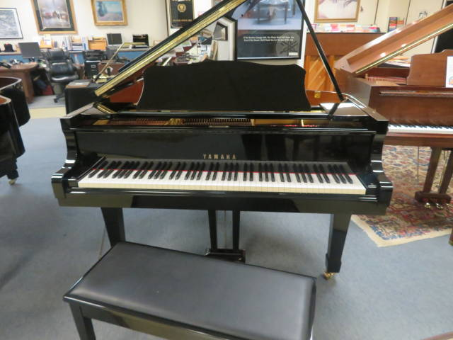 "12466-<br><font color=black><b>YAMAHA</b></font> 5'8″ Grand Piano BUILT IN JAPAN ! Fantastic Tone ! Excellent !  <br><font color=blue><b>Click Picture for ""Live Video""</b></font>"