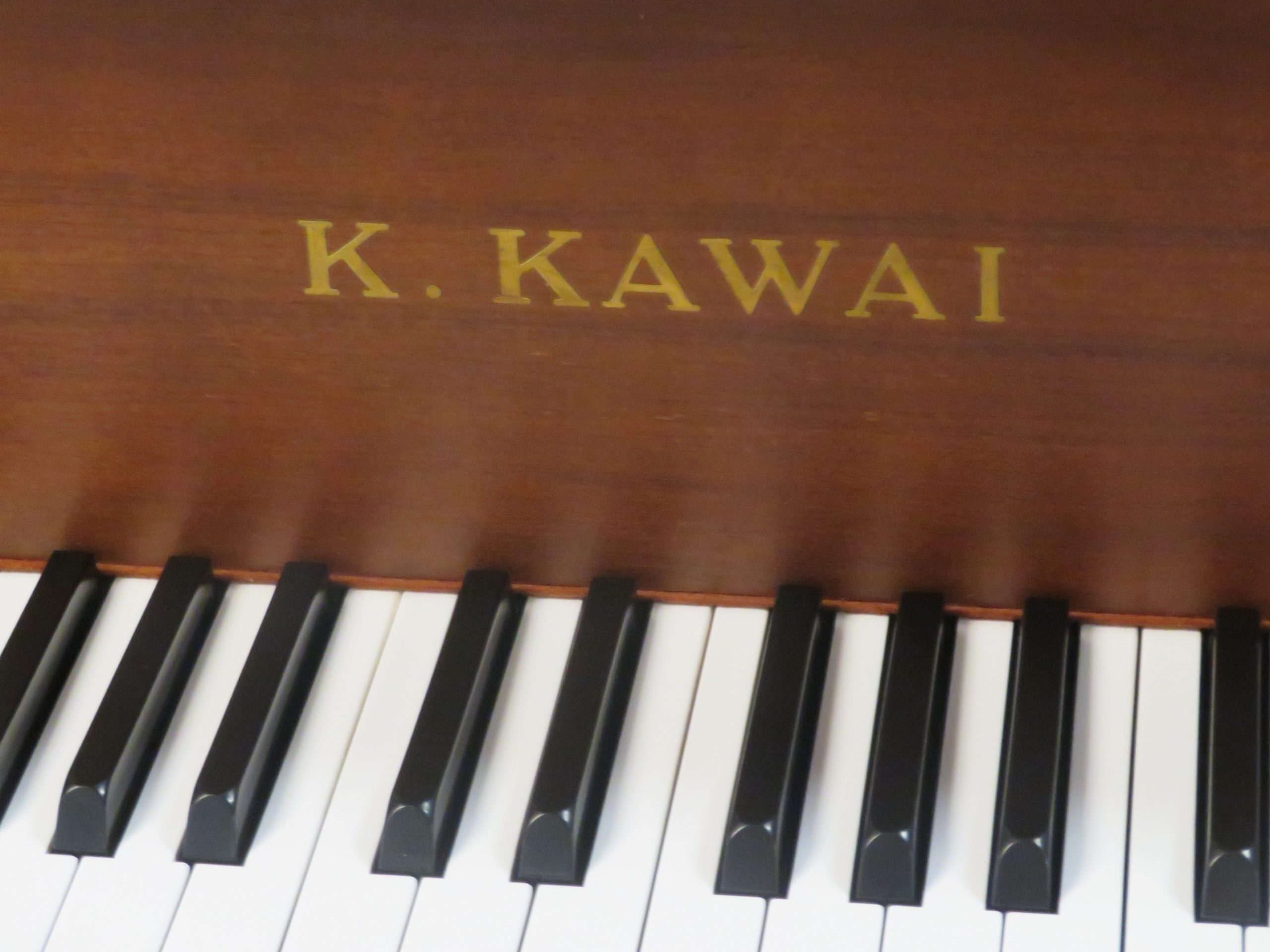 "12117-<br><font color=black><b>KAWAI</b></font> 5'1″ Grand – BUILT IN JAPAN ! Beautiful Satin Walnut Excellent !  <br><font color=blue><b>Click Picture for ""Live Video""</b></font>"